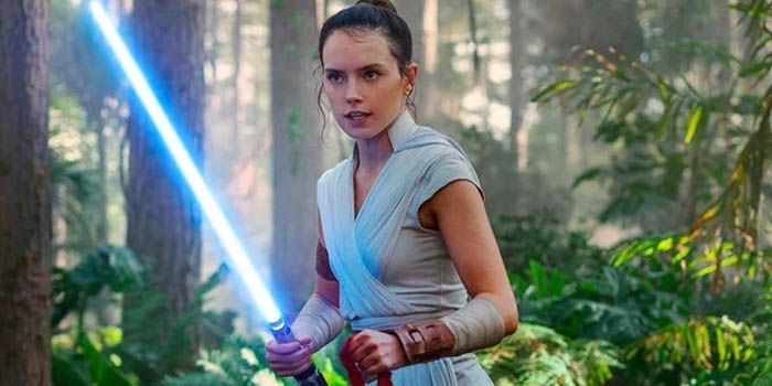 rey classic white suit in the star wars movie
